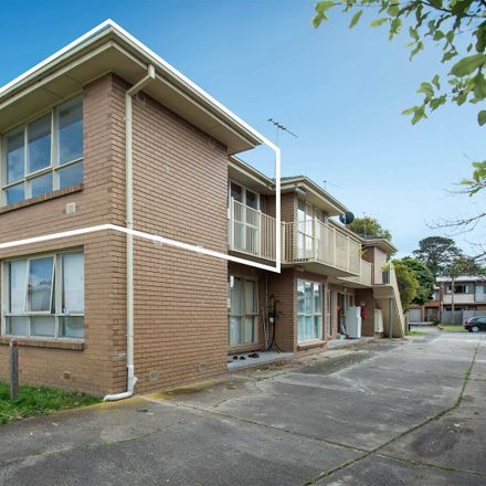 Rent this 2 bed apartment on 6/1 Mullet Street