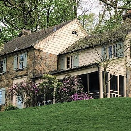 Rent this 5 bed house on Priscilla Lane in Rosslyn Farms, PA 15106