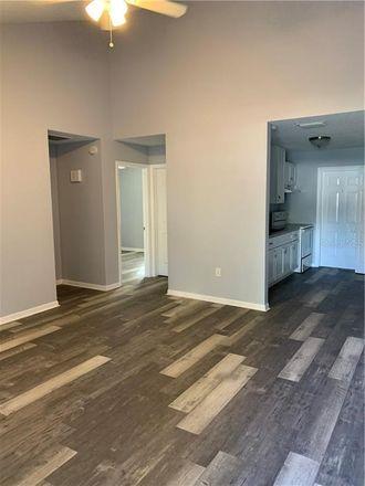 Rent this 2 bed duplex on Lakeland