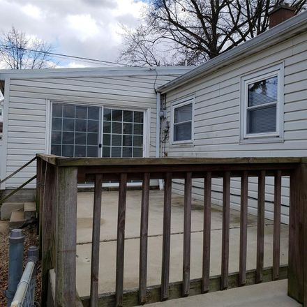 Rent this 3 bed house on 3725 Robert Avenue in St. Louis, MO 63116