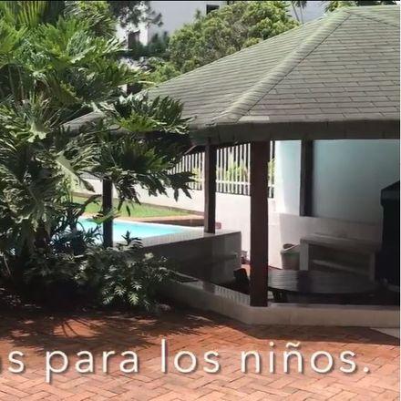 Rent this 3 bed apartment on Calle 6 Oeste in Comuna 19, 760101 Perímetro Urbano Santiago de Cali