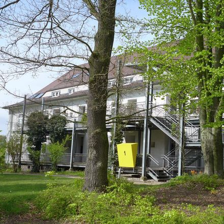 Rent this 3 bed apartment on Amselweg 1 in 04758 Oschatz, Germany