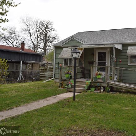 Rent this 2 bed house on 413 23rd Street in Fort Madison, IA 52627