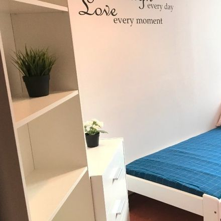 Rent this 6 bed room on Marszałkowska 66 in 00-545 Warsaw, Poland