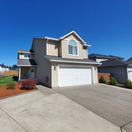 Rent this 4 bed loft on NE 95th Cir in Vancouver, WA