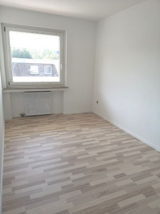 Rent this 3 bed apartment on Lehrerstraße 9 in 47167 Duisburg, Germany