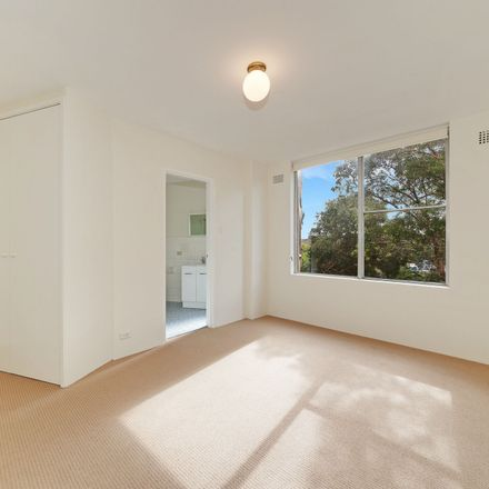 Rent this 1 bed apartment on 1/114 Spit Road