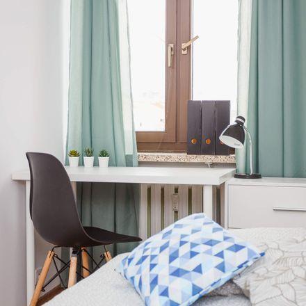 Rent this 5 bed room on Jana i Jędrzeja Śniadeckich 21 in 00-654 Warsaw, Poland