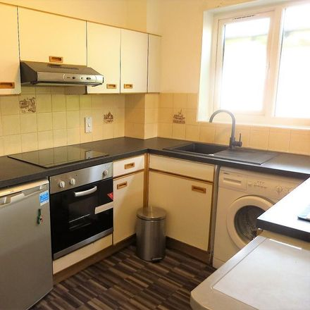 Rent this 1 bed apartment on Holiday Inn Express in Bath Road, Colnbrook SL3 0QJ