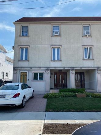 Rent this 6 bed townhouse on Bergen Avenue in New York, NY 11234