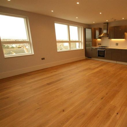 Rent this 2 bed apartment on Eden Point in 87 Rectory Grove, Leigh on Sea SS9 2HA