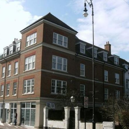 Rent this 3 bed apartment on Bank Street in Tonbridge and Malling TN9 1BU, United Kingdom
