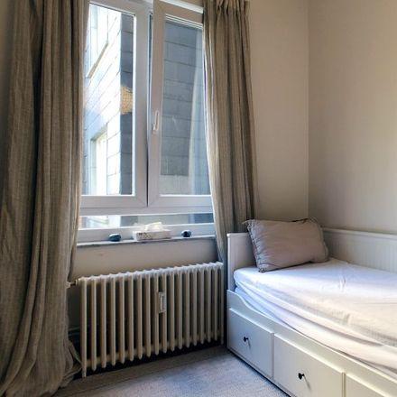 Rent this 3 bed apartment on Avenue de l'Émeraude - Smaragdlaan 53 in 1030 Schaerbeek - Schaarbeek, Belgium