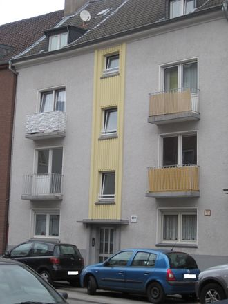Rent this 2 bed apartment on Neudorfer Straße 139 in 47057 Duisburg, Germany