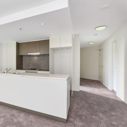 Rent this 3 bed apartment on 4/22 Gadigal  Avenue