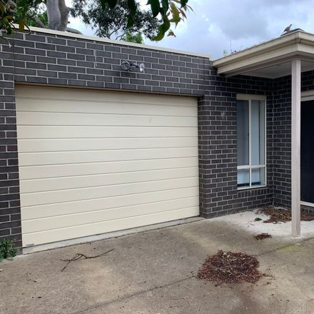 Rent this 3 bed apartment on 2/3 Dubbo Street
