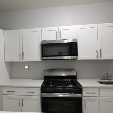 Rent this 3 bed apartment on Mallory Ave in Jersey City, NJ