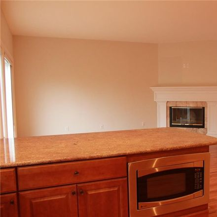 Rent this 3 bed townhouse on 4 Pond Ridge Rd in Milton, NY