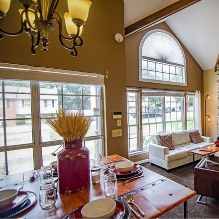 Rent this 2 bed loft on Waggoner Ct W in Nashville, TN