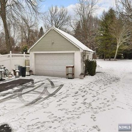 Rent this 3 bed house on 99 Sanders Place in Pequannock Township, NJ 07444