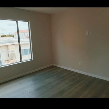 Rent this 1 bed room on Garfield School in 16th Street, Santa Monica