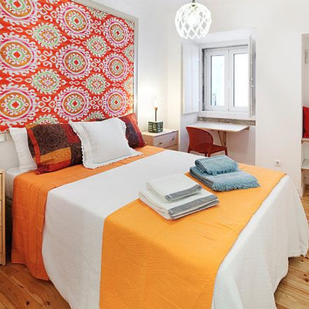 Rent this 2 bed room on Rua do Olival in 1200-745 Lisbon, Portugal
