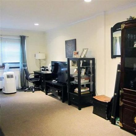 Rent this 2 bed condo on 64 White Oak Street in New Rochelle, NY 10801
