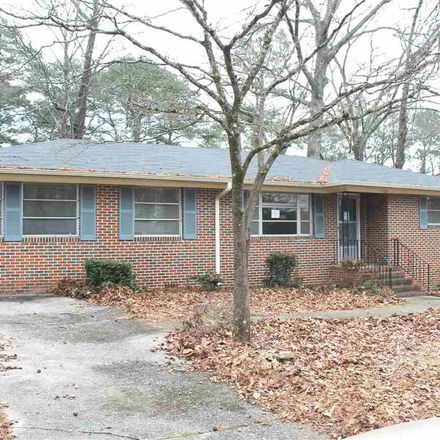 Rent this 3 bed house on 933 Hickory Circle in Birmingham, AL 35215