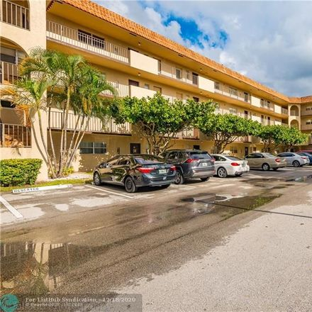 Rent this 2 bed condo on N Falls Circle Dr in Fort Lauderdale, FL
