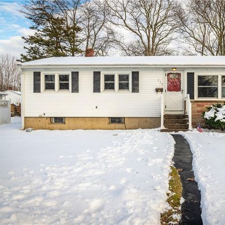 Rent this 3 bed house on 113 Asylum Road in Warwick, RI 02886