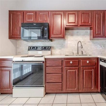 Rent this 2 bed condo on 543 Greenway Chase Court in Saint Louis County, MO 63031