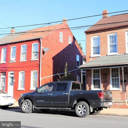 Rent this 3 bed townhouse on 827 Blunston Street in Columbia, PA 17512