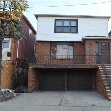 Rent this 3 bed apartment on 39 East 51st Street in Bayonne, NJ 07002