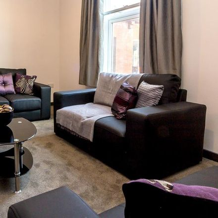 Rent this 5 bed apartment on Bayfields in 14 Otley Road, Leeds LS6 2AD