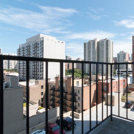 Rent this 1 bed townhouse on North LaSalle Drive in Chicago, IL 60610