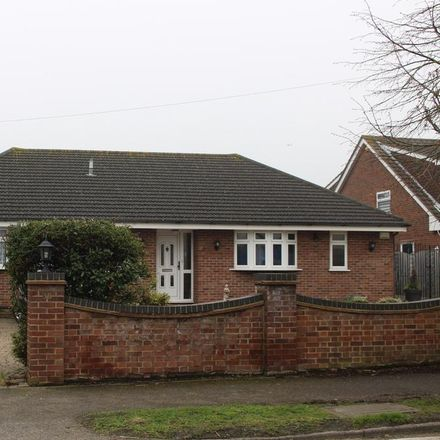 Rent this 3 bed house on Western Road in Castle Point SS7 2TN, United Kingdom