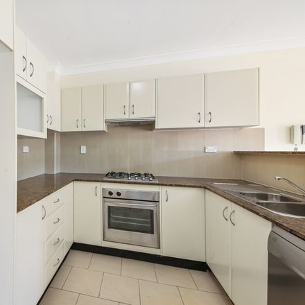Rent this 2 bed apartment on 30/1B Coulson Street