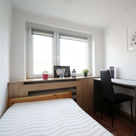 Rent this 3 bed room on Zbiorcza 7 in 92-328 Łódź, Poland