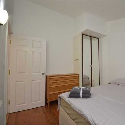 Rent this 2 bed apartment on Saint Peter's Hospice in Charlton Road, Bristol BS10 6NL