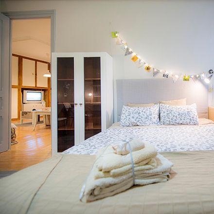 Rent this 6 bed room on Fika Kalea in 5, 48006 Bilbo