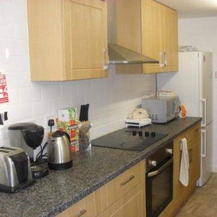 Rent this 3 bed house on Midland Passage in Leeds LS6 1BW, United Kingdom