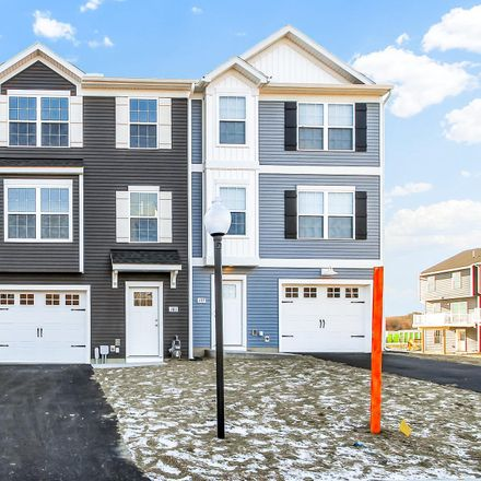 Rent this 4 bed townhouse on Heritage Ct in New Oxford, PA