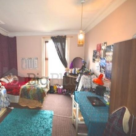 Rent this 9 bed house on Rosebank Road in Leeds LS3 1HH, United Kingdom