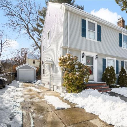 Rent this 3 bed house on 80 Mauran Street in Cranston, RI 02910