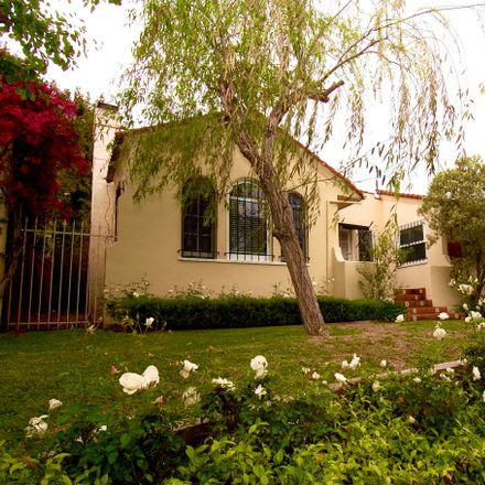Rent this 3 bed house on 538 N Mansfield Ave in Los Angeles, CA 90036
