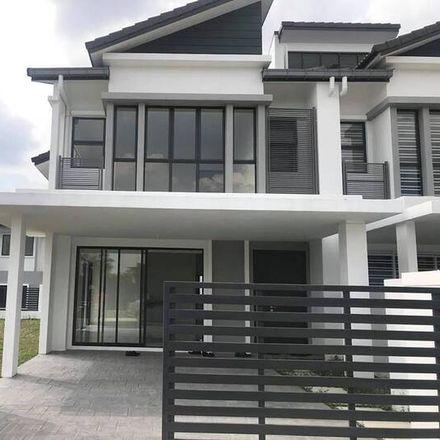 Rent this 4 bed apartment on Jalan Midah 12 in Cheras, 56000 Kuala Lumpur