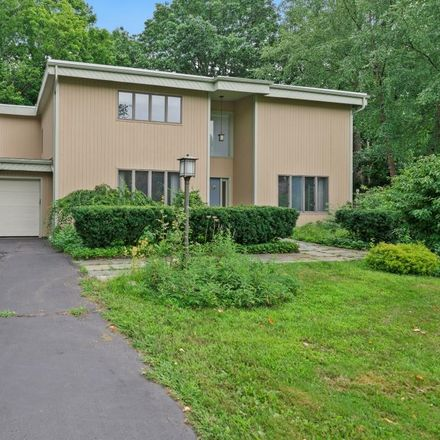 Rent this 4 bed house on 21 Momrow Terrace in Town of Colonie, NY 12204