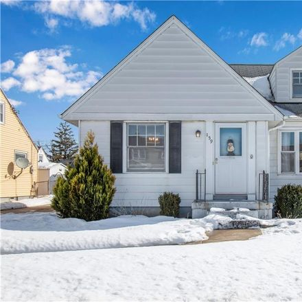 Rent this 3 bed house on 159 Cresthill Avenue in Tonawanda, NY 14150