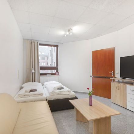 Rent this 3 bed apartment on Rudolf-Klug-Weg 9 in 22455 Hamburg, Germany