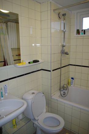 Rent this 3 bed room on Korvet in 1186 WB Amstelveen, Nederland